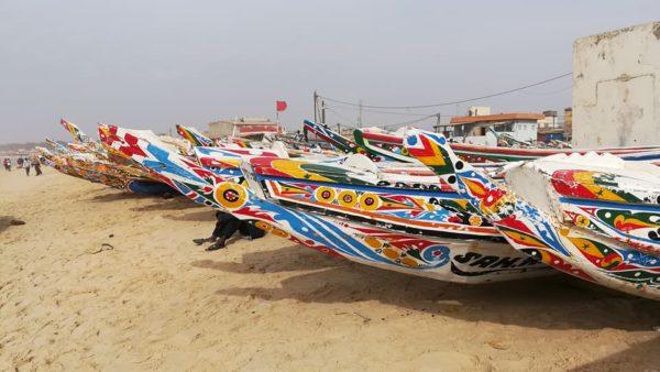 Senegal-Reise, bemalte Boote