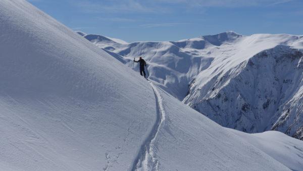 Georgien- Mit Ski durch Berge